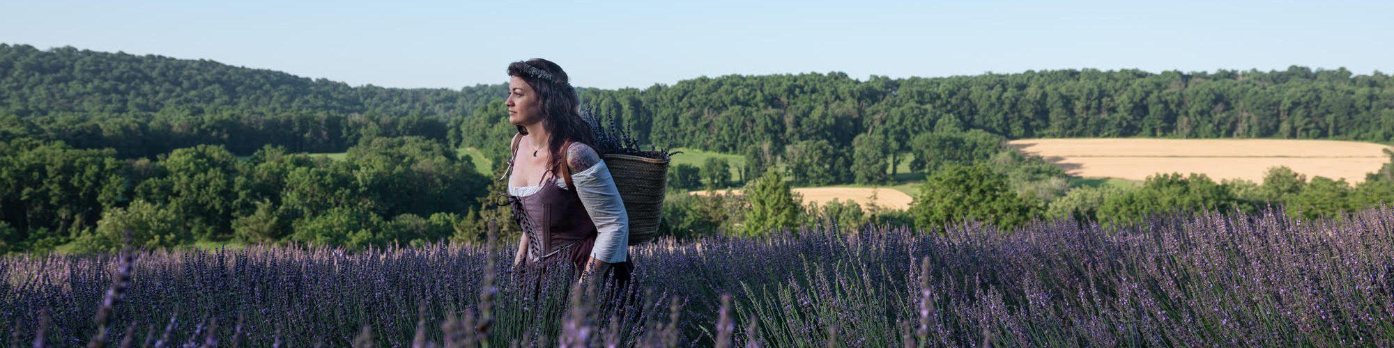 Ruthie Hayes - Lavender Mother Hylde
